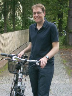 Stefan Czenskowski nutzt gerne das Rad, kennt aber auch die Probleme in Lichterfelde